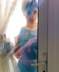 10-bölüm-Maral-elbise-Forever-New