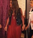 Aslı-kırmızı-benekli-uzun-elbise