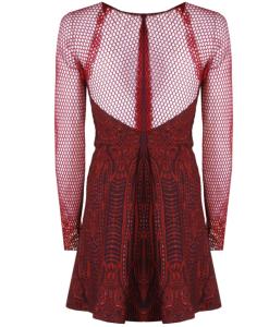 Sude'nin Kırmızı elbises3